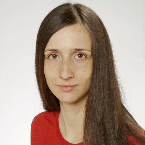 Dr Maja Łoś